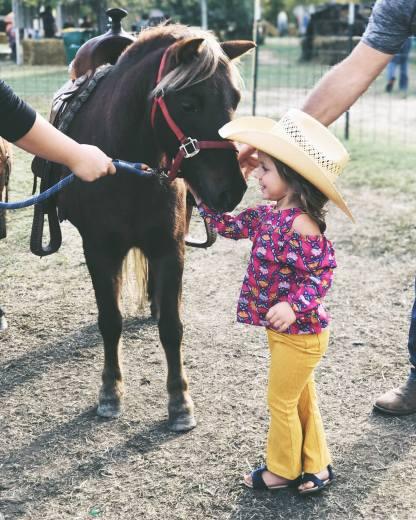 luv me a pony